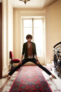 Inès de la Fressange home.   OK. It's settled. When I turn 50, I'm taking a photo like this too.