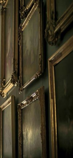 Wall and paintings at The Manor Dark Green Aesthetic, Aesthetic Art, Aesthetic Pictures, Slytherin Aesthetic, Penny Dreadful, Chiaroscuro, Bellatrix, Draco Malfoy, Wall Collage