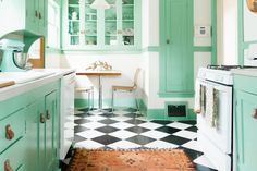 The Key to Color Confidence: The Rule — Color Confidence (Apartment Therapy Main) Best Kitchen Layout, One Wall Kitchen, Kitchen Design, Kitchen Layouts, Mint Kitchen, Kitchen Ideas, Kitchen Sink, Latest Kitchen Trends, Straight Kitchen