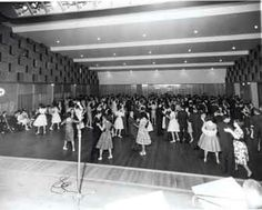 [Centenary celebrations : youth ball, 16th December, Kew Town Hall] [picture]