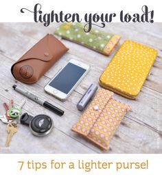 Lighten Your Load: 7 Tips for a Lighter Purse Clean out and organize your purse with these seven tips for carrying less in your bag. Konmari, My Bags, Purses And Bags, Small Purses, Clean Out, Just In Case, Just For You, Life Hacks, Purse Organization