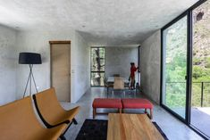 Image 14 of 20 from gallery of House / Architecture + David Pedroza Castañeda. Photograph by FCH Fotografía Sala Grande, Concrete Interiors, Home Planner, Weekend House, Tiny House Design, David, Interior Design Inspiration, Architecture, Floor Chair