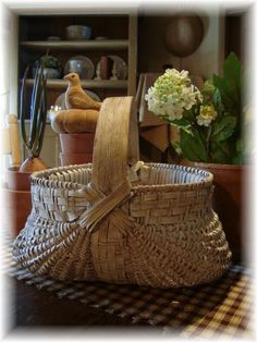 Early Farm Country Egg Buttocks Splint Basket Worn Dry Dirty White Paint
