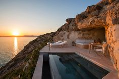 Cap Rocat - Mallorca, Spain Unique hotel room in the cliff overlooking the sunset of the day with private pool on the terrace Best Boutique Hotels, Best Hotels, Bangkok, Hotel Am Strand, Hotel Am Meer, Small Luxury Hotels, Luxury Resorts, Luxury Suites, Luxury Rooms