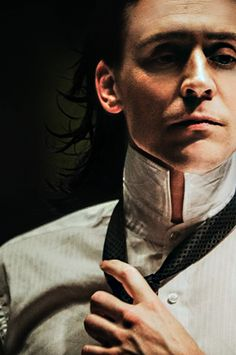 ladylaufeyson1: This is what I see when I look at that new picture. OOOOOF! ::fanning self::