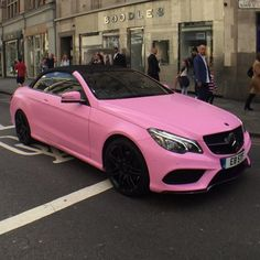 Discover and share the most beautiful images from around the world Fancy Cars, Cool Cars, My Dream Car, Dream Cars, Voiture Rolls Royce, Lux Cars, Pink Cars, Barbie Car, Mercedez Benz