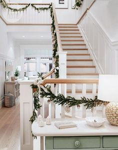 7 Enhancing Clever Ideas: Simple Natural Home Decor Grey natural home decor inspiration bedrooms.Natural Home Decor Rustic Country Kitchens natural home decor living room floors.Natural Home Decor Feng Shui Tips. Decoration Bedroom, Diy Home Decor, Room Decor, Feng Shui, Decoration Christmas, Holiday Decorating, Farmhouse Side Table, Natural Home Decor, Home And Deco