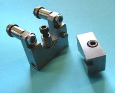 Height adjustable via a correlation with lathe's cross slide feed. Micro Lathe, Small Lathe, Professional Engineer, Lathe Machine, Industrial Machine, Metal Working Tools, Lathe Projects, Lame, Tour
