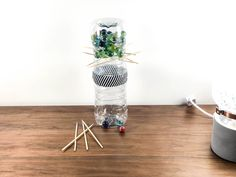 Kerplunk Game, Activity Games, Activities, Kebab Sticks, Craft Stick Crafts, Bottle Crafts, Positive Vibes, School, Table