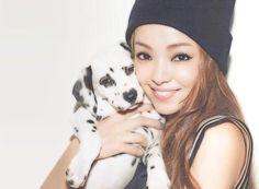 """いいね!280件、コメント7件 ― ✨安室ちゃん✨さん(@namie_amuro_love2000)のInstagramアカウント: 「犬も好きだけど俺は猫が好き完璧猫派✨Japanese great songstress """"NAMIE AMURO""""✨✨Please enjoy her wonderful song and…」"""