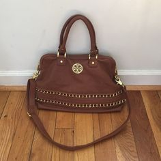 Tory Burch handbag style Stunning bag in mint condition! No card or dust bag as it's inspired, priced accordingly. Gorgeous color and quality! Comes with shoulder strap Tory Burch Bags