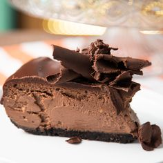 Triple Chocolate Oreo Cheesecake Check us into rehab – we're about to overdose on chocolate. Easy Desserts, Delicious Desserts, Yummy Food, Health Desserts, Baking Recipes, Cookie Recipes, Dessert Recipes, Dessert Bars, Chocolate Desserts