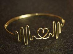 #personalized #HeartBracelet #CustomBracelet #HeartbeatJewelry #heartbeat #GoldBracelet #FriendshipBracelet #CustomizedBracelet #HeartbeatBracelet #HeartRate
