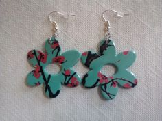 Recycled Arizona Tea Can Daisy Earrings by GiftsnGarbage on Etsy, $5.00