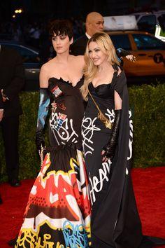 Pin for Later: Von Geisha zu Cow-Girl und Punk-Lady: Madonna's größte Mode-Statements  Gemeinsam mit Katy Perry in Moschino bei der Met Gala im Jahr 2015.