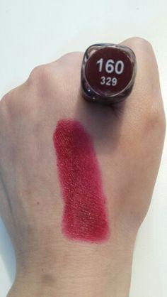 Ecco il Rossetto 160 di Barry M - Un bellissimo rosso scuro/prugna intenso e pigmentato