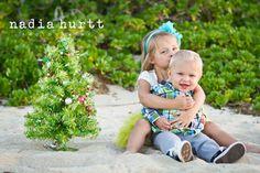 100 Family Photo Ideas for Christmas   Tiny Prints