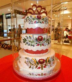Cake , with Hungarian Folks Motives Hungarian Cake, Hungarian Recipes, Hungarian Food, Sweet Desserts, Just Desserts, Beautiful Cakes, Amazing Cakes, Diy Wedding, Wedding Cakes