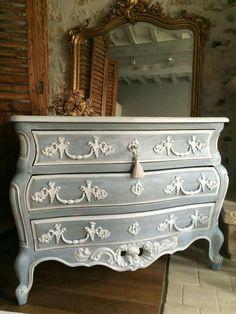 Petit meuble peinturer avec peinture la craie avec un fini gris inspiration meubles - Peinture a la craie pour meuble ...
