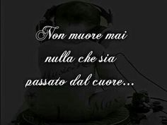 Piccole gocce di rugiada. Italian Phrases, Italian Quotes, Phrases About Life, Love Moon, Feelings Words, Special Words, Words Worth, Life Inspiration, True Stories