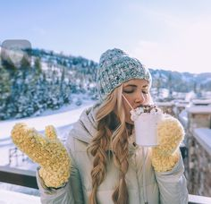 Nice and practical hairstyles for skiing in winter Hair Colors Winter Pictures, Cute Pictures, Pic Tumblr, Winter Wonderland, Ski Et Snowboard, Sunday Kind Of Love, Poses Photo, Foto Casual, Shooting Photo