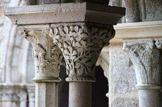 Abbaye de Fontfroide à Narbonne,capitel romanico. Departamento de L'Aude,Languedoc Roussillon,Francia