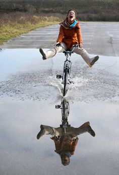 Woman riding a bike, having fun, water Foto Picture, Photo Images, Jolie Photo, Happy Moments, Happy People, Life Is Beautiful, Life Is Good, Freedom, Bike