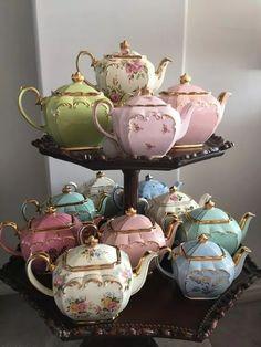 Vintage Dishes, Vintage Tea, Vintage China, Tea And Crumpets, Teapots Unique, Tea Cart, Teapots And Cups, Teacups, Tea Tins