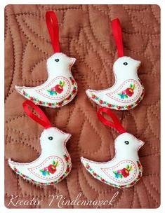 Christmas Ornaments, Holiday Decor, Design, Home Decor, Decoration Home, Room Decor, Christmas Jewelry, Christmas Decorations