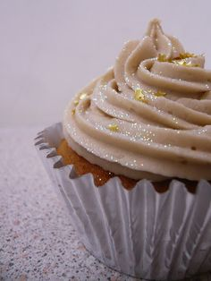 The Cupcake Architect: Boozy Bailey's Cupcakes Cute Desserts, Wedding Desserts, Wedding Cupcakes, Sparkly Cupcakes, 13 Birthday Cake, Cute Cakes, Something Sweet, No Bake Cake, Cupcake Cakes