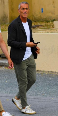 Older mens fashion, mature fashion, fashion for men over old man fashion Casual Style For Men Over 50, Stylish Men Over 50, Fashion For Men Over 50, Mature Mens Fashion, Old Man Fashion, Men Casual, Fashion Fashion, Men Style Tips, Mode Outfits