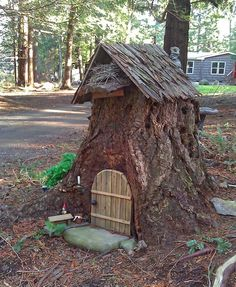 Learn how to turn a dead tree stump into a cute fairy house or gnome house. Fairy Tree Houses, Fairy Garden Houses, Gnome Garden, Garden Art, Fairy Gardens, Fairy Garden Doors, Gnome Tree Stump House, Fairy Doors On Trees, Fairies Garden