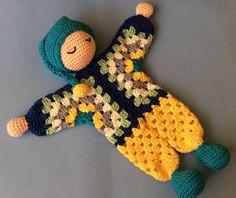 Com – SkillOfKing. Crochet Lovey, Crochet Teddy, Love Crochet, Knit Crochet, Amigurumi Doll, Amigurumi Patterns, Doll Patterns, Crochet Patterns, Crochet Crafts