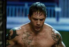 Learn how Tom Hardy came up with such an immense core and an upper body. We reveal the full Tom Hardy Workout Routine. Tom Hardy Warrior Workout, Tom Hardy Bane Workout, Tom Hardy Movies, Tom Hardy Photos, Celebrity Workout, Romance, Acting Skills, Motivational Videos, Eminem