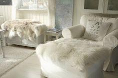 chair w/furry cozy, love!