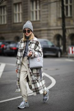 Winter Outfits For Work, Cute Fall Outfits, Casual Winter Outfits, Joggers Outfit, Outfit Invierno, Zara, Cold Weather Fashion, Plaid Coat, Urban Fashion