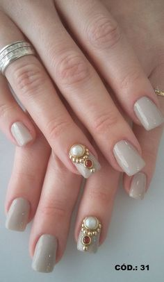 Joia De Unha/ Pingente De Unha/mini Joias De Unha - R$ 2,99 Garra, Short Nail Designs, Nail Art Designs, Hair And Nails, My Nails, Chic Nails, Nail Art Diy, Short Nails, Pedicure
