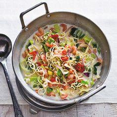 Thaise noedelmaaltijdsoep met garnalen Thai Recipes, Asian Recipes, Soup Recipes, Healthy Recipes, Thai Noodle Soups, Thai Cooking, Quick Meals, I Love Food, Food For Thought