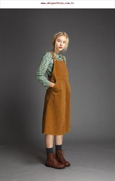 Cotton Velvet Dungaree Dress Cotton Velvet Dungaree Dress Source by pitchdream The post Cotton Velvet Dungaree Dress appeared first on Create Beauty. Modest Fashion, Fashion Outfits, Womens Fashion, Fashion Trends, Indie Outfits, Dress Fashion, Fashion Boots, Urban Style Outfits, Fashion Hacks