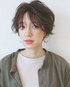 Ideas for hair curly color coiffures Girl Short Hair, Short Curly Hair, Short Hair Cuts, Curly Hair Styles, Girls Short Haircuts, Short Bob Hairstyles, Wig Hairstyles, Hair Inspo, Hair Inspiration