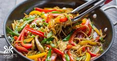 Singapore Noodles Fast Metabolism Recipes, Fast Metabolism Diet, Metabolic Diet, Diet Soup Recipes, Healthy Recipes, Yummy Recipes, Clean Eating, Mindful Eating, Chicken And Vegetables