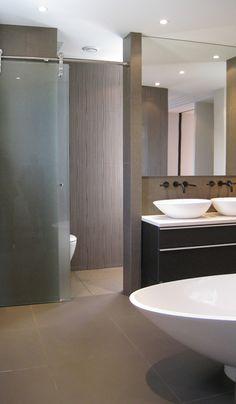 Faire d 39 une chambre de taille moyenne une suite avec wc - Salle de bain ouverte sur dressing ...