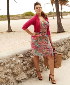 Cute Curvy Girl Fashion Outfits and Ideas (52)
