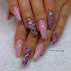 We have found 16 of the Best Nail Art Designs. When it comes to the best nail art, we have you covered. Below you will find inspirational nail art designs that will get you motivated to get your nails done. Fabulous Nails, Gorgeous Nails, Pretty Nails, Gorgeous Makeup, Amazing Nails, Uñas Fashion, Fashion Black, Fashion Styles, Fashion Ideas
