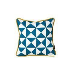 Ferm Living Kissenhülle 30 x 30 cm Little Geometry Cushion - Blue Blau incl. Füllung Ferm Living http://www.amazon.de/dp/B007V9N6FY/ref=cm_sw_r_pi_dp_J4S3wb126PRJX
