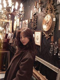 park jihyo ♡ twice Brown Aesthetic, Kpop Aesthetic, Aesthetic Girl, Nayeon, K Pop, Kpop Girl Groups, Korean Girl Groups, Kpop Girls, The Band
