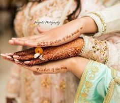 The latest dress trends for the latest new fashion trends outfit ideas celebrity style designer news and runway looks Mehendi Photography, Indian Wedding Photography Poses, Indian Wedding Photos, Bride Photography, Wedding Poses, Indian Wedding Mehndi, Bridal Poses, Wedding Pictures, Desi Wedding Decor