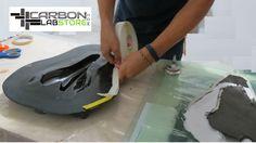 Ubicación de la cinta tipo goma para el proceso de vacío. Para mayor información visita: www.carbonlabstore.com