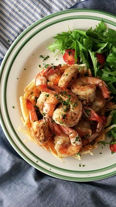 What's not to love about a deep-fried potato basket topped with garlicky goodness? What's not to love about a deep-fried potato basket topped with garlicky goodness? Shrimp Dishes, Fish Dishes, Shrimp Recipes, Fish Recipes, Chicken Recipes, Garlic Shrimp, Garlic Minced, Cooking Recipes, Healthy Recipes
