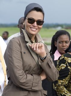 Sheikha Mozah looks beautiful on her official-one day-visit to Tanzania on April 8th 2009. She was wearing Dior couture ensemble by John Galliano. I am sure many of you want to know the brand of this fabulous sunglasses, so far I have no answer for...